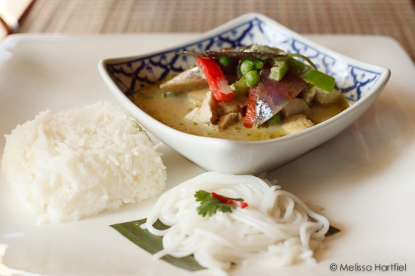 Green Curry Chicken with rice and noodles