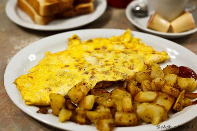 Mello's Diner – Ottawa Eats