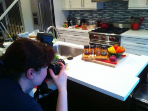 Melissa photographing food