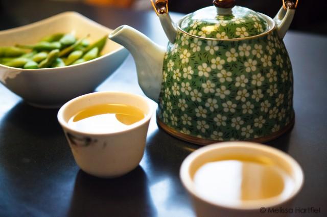 sushi tea break with edamame