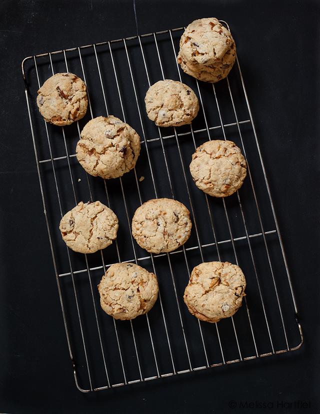 "<img class=""aligncenter size-full wp-image-4228"" src=""https://www.melissahartfiel.com/wp-content/uploads/2015/01/20141226-1412_untitled039.jpg"" alt=""pear cranberry oatmeal cookies"" width=""640"" height=""828"" />"